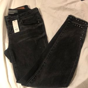 NEW Francesca's Harper skinny jeans with studs